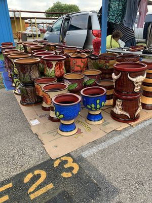 Pottery and flower pots 2/$50 willing to work with the price for Sale in Somerset, TX