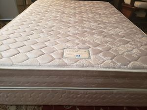 Full size Mattress set box spring bed frame Sealy Posturpedic for Sale in Lynnwood, WA