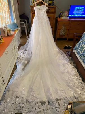 Wedding dress like new with trail size 16 and mini bride dress very elegant for Sale in Coral Springs, FL