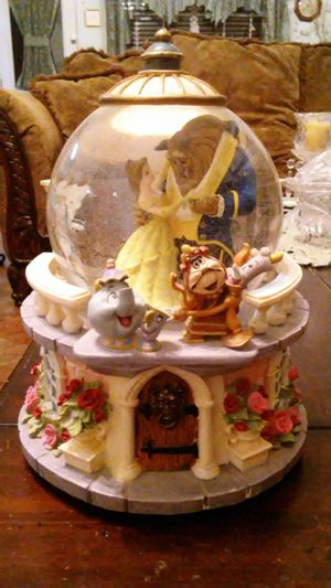 Beauty & the Beast musical water globe for Sale in Lancaster, TX