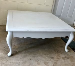 Large Vintage French Provincial Coffee Table for Sale in Brandon, FL