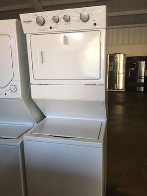 Whirlpool washer and gas dryer stackable for Sale in San Luis Obispo, CA