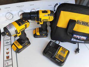 Drill dewalt20 vol cargador y baterías nuevo for Sale in Oakland Park, FL