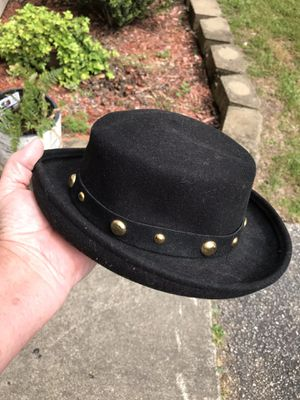 Ladies Vintage 80's Bollman Tinatoo Doeskin Felt Hat with Gold Studs. Wool. Excellent Condition. This Hat Orginally Retailed for $200. Pick up in Eas for Sale in Clayton, NC