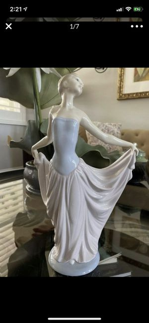 Lladro Dancer Figurine Ballerina Young Lady Porcelain Mint condition ,original price $350 for Sale in Covina, CA