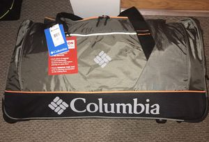 Columbia XLarge (30Inch) Duffle bag W/Wheels (Green) for Sale in Oak Park, IL
