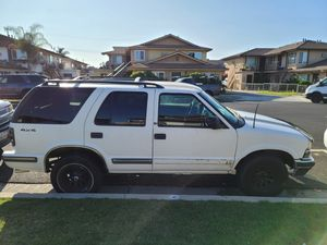 1998 Chevy Blazer for Sale in Paramount, CA