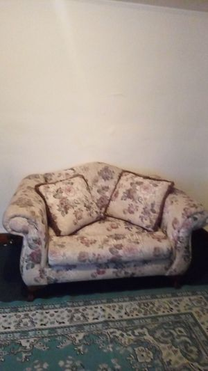Antique loveseat. Deep back. No stains. No tears for Sale in Elmira, NY