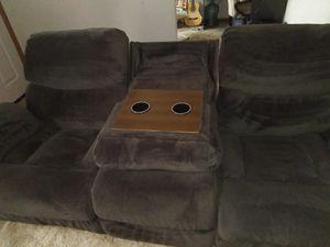 Double Recliner Couch & dual cup holder for Sale in Smyrna, TN