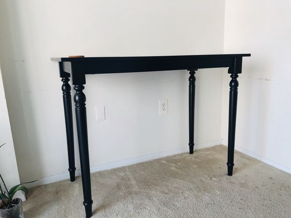 Counter-height Dining Table