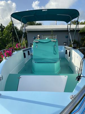 """Boat 17 ft""""Bayliner"""" motor 85 everything working for Sale in Miami, FL"""