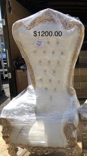 Queen throne chair for Sale in North Highlands, CA