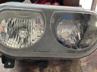 2008-2014 DODGE CHALLENGER RIGHT HEADLIGHT HALOGEN for Sale in Dallas,  TX