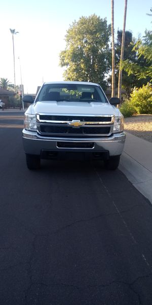 2014 chevy silverado 2500 hd117miles restor title ac for Sale in Glendale, AZ