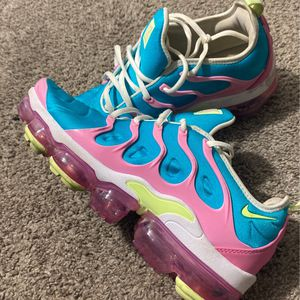 Nike vapormax Womens 8.5 for Sale in Las Vegas, NV