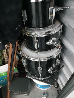 Set of these 3 and a base drum for Sale in Las Vegas, NV