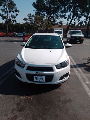 Chevy sonic 2014 8000 millas for Sale in Los Angeles, CA