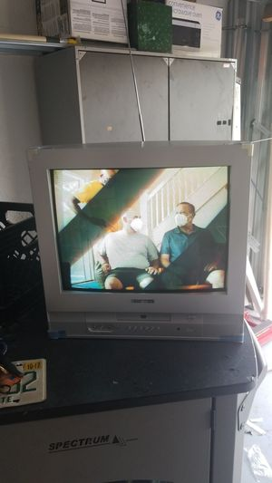 Polaroid TV with DVD and digital converter box for Sale in Miami, FL