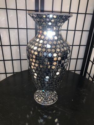Black & Silver Vase for Sale in Las Vegas, NV