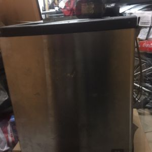 Manitowoc ice machine for Sale in Oakland, CA