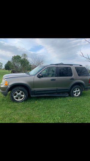 2003 Ford Explore. Runs and drives fine. Transfer case went bad and was removed. 130,000 miles on truck. for Sale in Mount Sterling, OH
