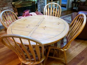 Kitchen Table / 4 Chairs for Sale in CASTALIN SPGS, TN