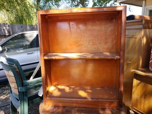 Small/childs book shelf for Sale in Pittsburg, CA