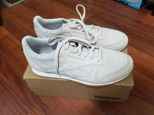 Reebok Classic Leather Clean Exotics for Sale in Harrison, NJ