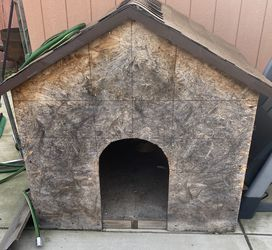 Dog House With Roof for Sale in Selma,  CA