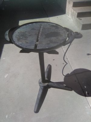 Electric stand-up Grill for cooking ribs meat or chicken BBQ mariscos etc... for Sale in Santa Ana, CA