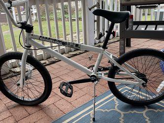 Kids Bike, 18 Inch Wheels for Sale in Towson,  MD