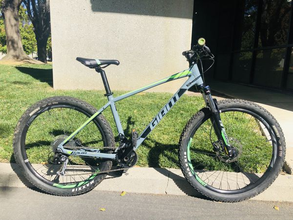 Giant Talon 2 mountain bike all sizes 27.5 tires size S,M,L,XL