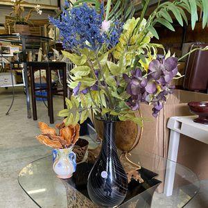 Black Marble Flower Vase for Sale in Lilburn, GA