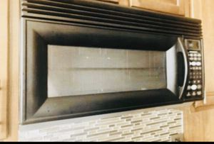 Whirlpool Gold Microwave for Sale in Naperville, IL