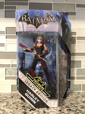 Harley Quinn Batman Arkham City Exclusive Collection Figure with Poster for Sale in Coventry, RI