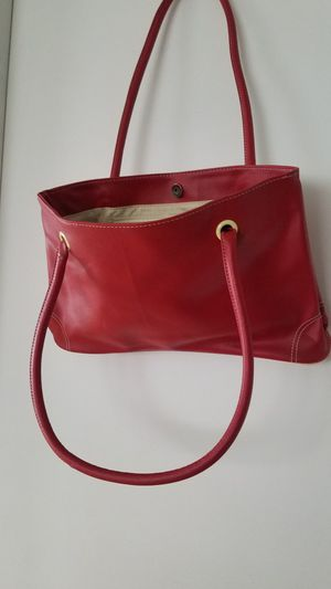 New. Red & Cream Hand Bag for Sale in Smithville, MO