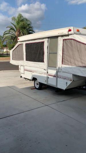 Very nice clean 1994 pop up camper palomino you can sleep 7 people inside for Sale in El Monte, CA