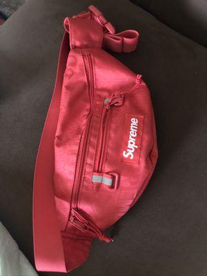 Supreme fanny pack for Sale in Lawrenceville, GA