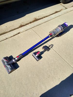 Dyson v11 torque drive vacuum for Sale in Bakersfield, CA