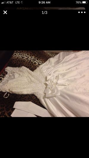 Wedding dress for Sale in Madera, CA