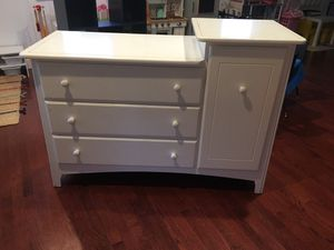 Changing table dresser for Sale in Silver Spring, MD