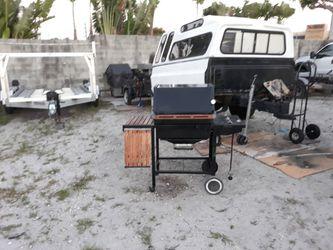 Weber Gas Grill for Sale in Delray Beach,  FL