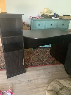 Desk for Sale in Fountain Valley, CA