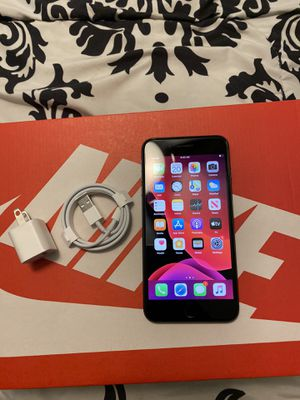 iPhone 8 Plus 64gig unlocked for Sale in GRANT VLKRIA, FL