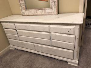 White distressed dresser for Sale in Atlanta, GA