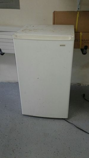 Mini fridge. for Sale in Apex, NC