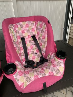 Girls car seat for Sale in Elgin, IL