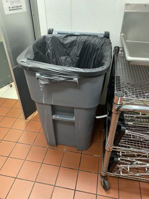 Store/business Trashcans for Sale in Virginia Beach, VA