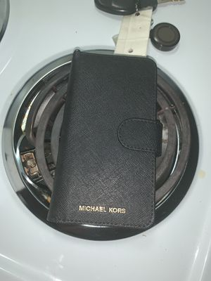 MK CASE wallet for Sale in Valley City, ND