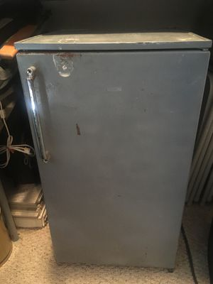 Mini Refrigerator-Sanyo for Sale in Merrick, NY